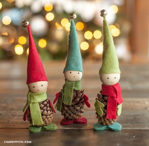 Pine_Cone_Felt_Elves