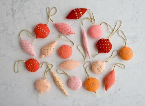 heirloom-wool-ornaments-600-1-598x441