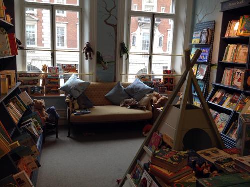 la part infantil de la llibreria Hatchards la més antiga de Gran Bretanya