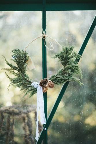 rustic-jute-pine-pinecones-diy-wreath1